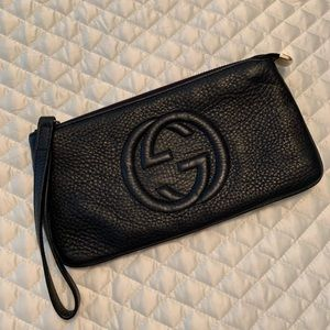 Authentic Navy Gucci soho clutch